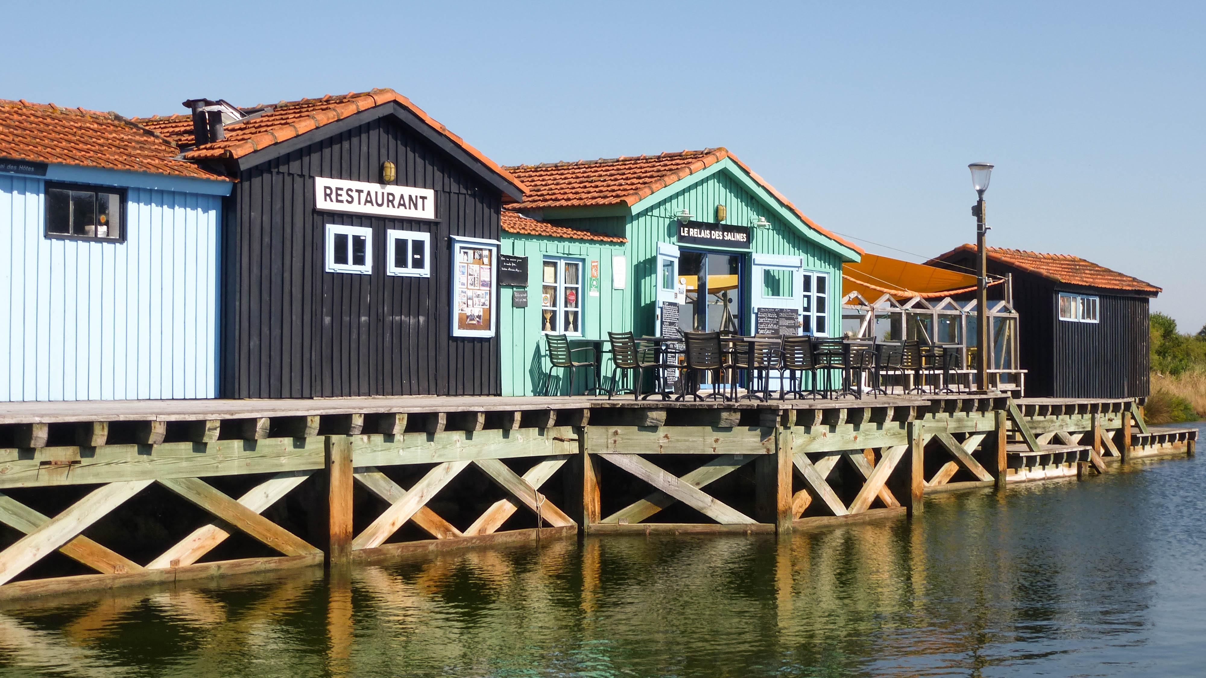le petit village plages 16-9 bis