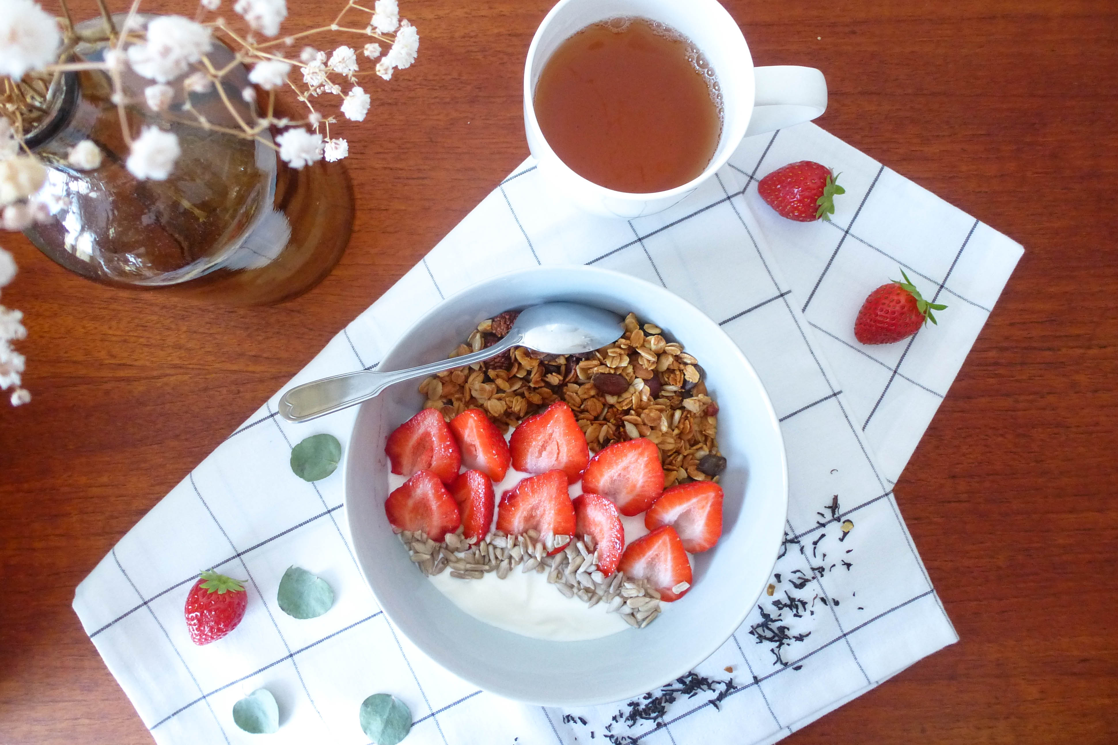 granola-bol-fraises